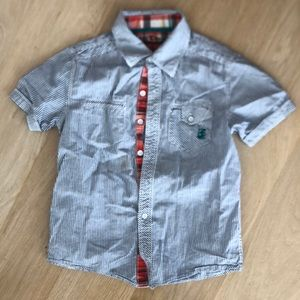 Epic threads sz small button down